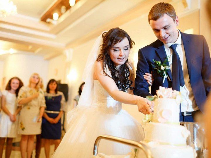 Wedding customs in Canada-similarities to western